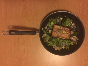 Balsamic Mahi Mahi with Broccoli